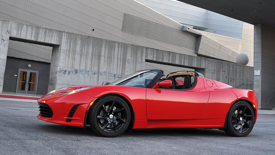Глава Tesla подтвердил возрождение Roadster