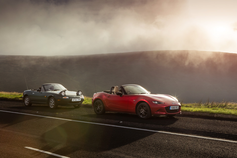 Две Mazda MX-5 исамая опасная икрасивая дорога наземле— трасса Isle ofMan TT. Фото 20