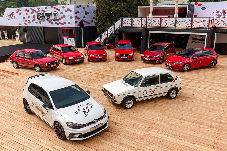 Вотон— тотже самый, наш «первый» GTI— нафестивале Wörthersee 2016 года ивокружении наследников, включая рекордный GTI ClubsportS.