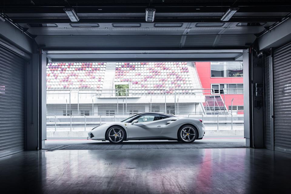 Тест-драйв турбо-Ferrari прошлого инастоящего. Часть I: Ferrari 488 GTB