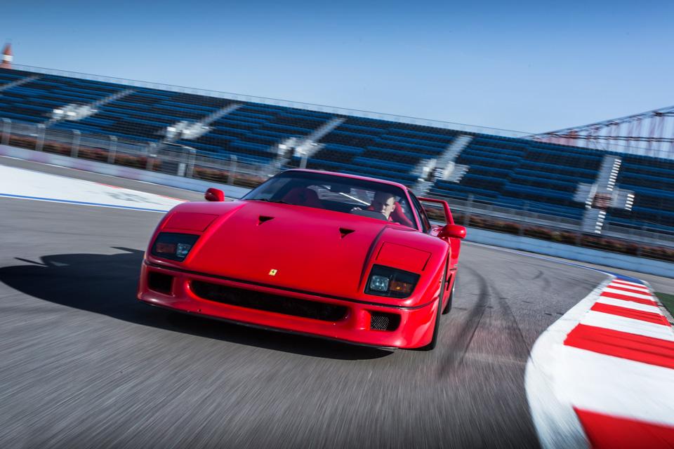 Тест-драйв турбо-Ferrari прошлого инастоящего. Часть вторая: Ferrari F40. Фото 4