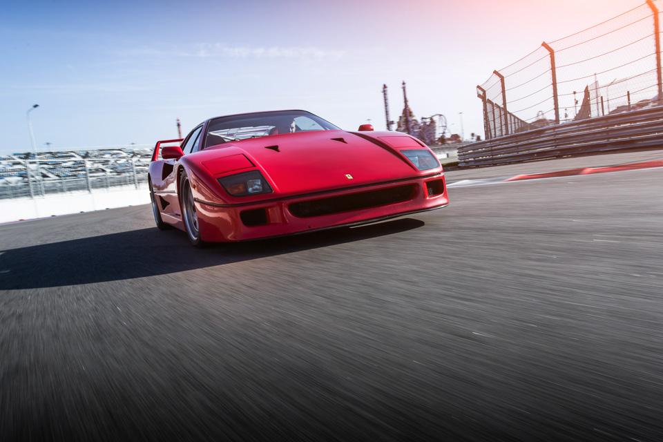 Тест-драйв турбо-Ferrari прошлого инастоящего. Часть вторая: Ferrari F40. Фото 11