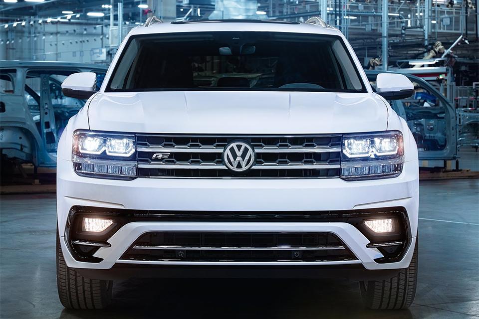 Volkswagen Atlas обзавелся спорт-пакетом R-Line. Фото 1