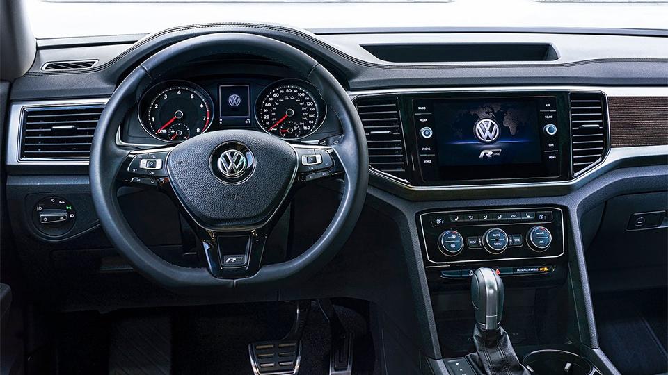 Volkswagen Atlas обзавелся спорт-пакетом R-Line. Фото 3