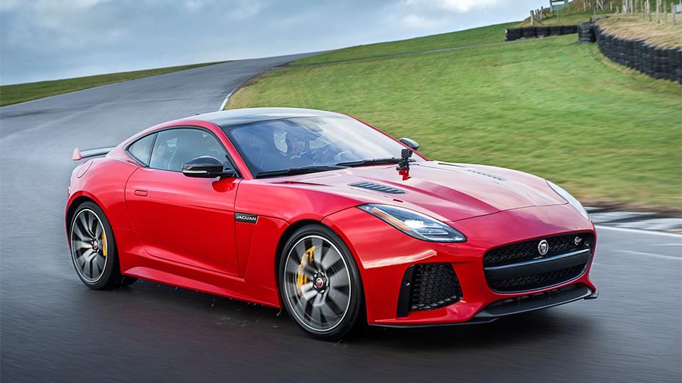 Обновленный Jaguar F-Type подружили скамерой GoPro