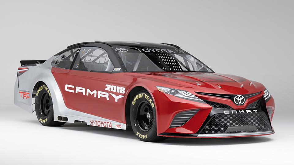 ВДетройте представили седан Тойота Camry восьмого поколения