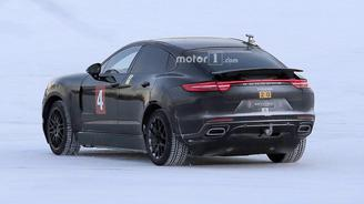 Porsche тестирует купе-версию нового Cayenne. Фото - Porsche
