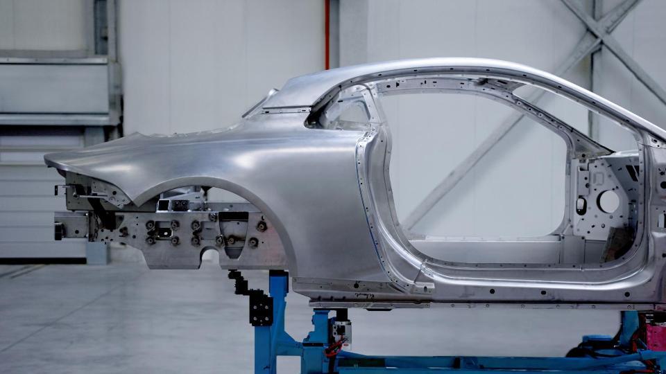 Спорткар Альпин A120 будет представлен на автомобильном салоне вЖеневе