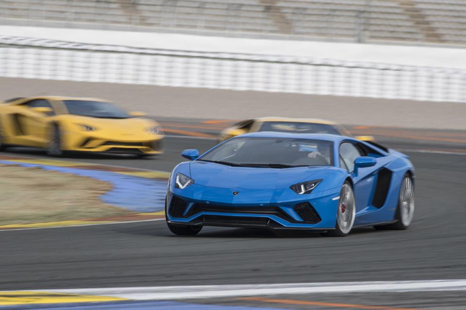 Тест-драйв Lamborghini Aventador S, после которого нужно заново учиться жить. Фото 5