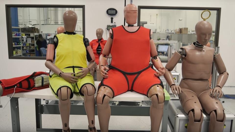 ВСША появятся толстые и престарелые манекены для краш-тестов
