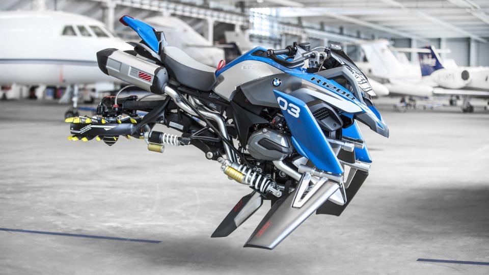 BMW превратила модельку Lego в большой «летающий» мотоцикл