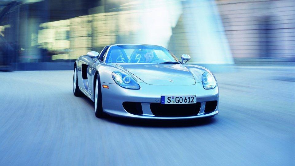 Porsche обвинили всокрытии данных оразбившихся суперкарах