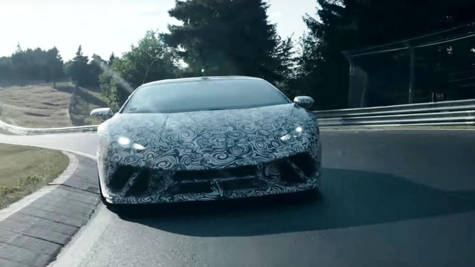 ВНюрбургрине быстрейшим суперкаром стал Lamborghini Huracan