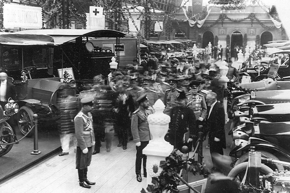 Отправляемся наавтосалон начала прошлого века: премьеры, чудеса итехнологии. Фото 5