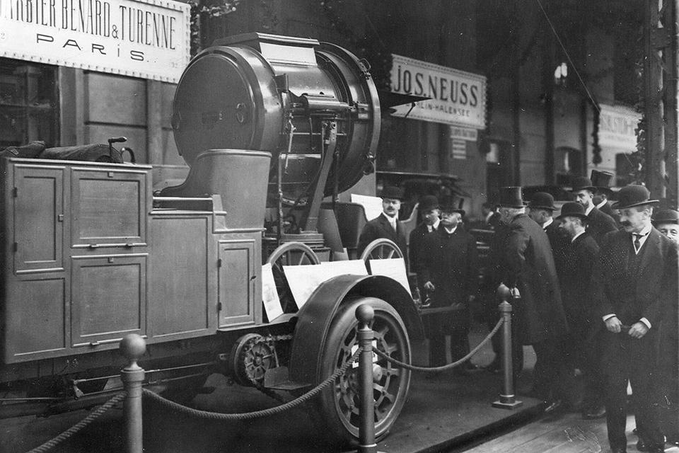 Отправляемся наавтосалон начала прошлого века: премьеры, чудеса итехнологии. Фото 25