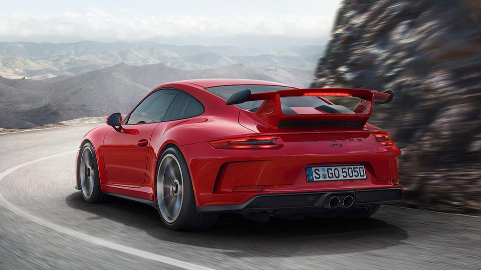 В Порше назвали цену новейшей машины для гоночных трасс