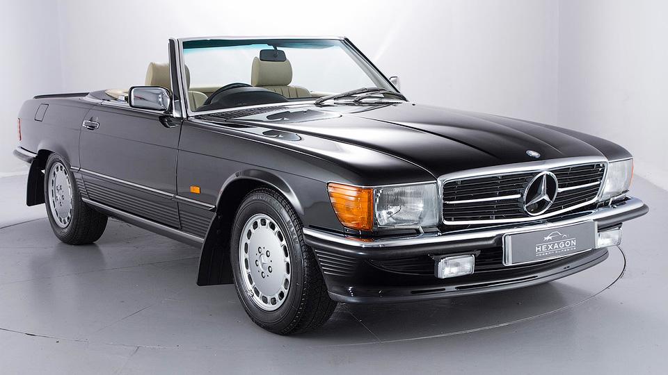 В Англии выставлен на реализацию раритетный Мерседес-Бенс 500 SL