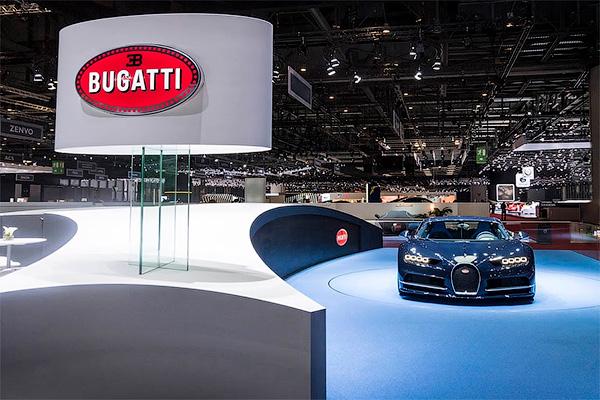 Как Bugatti Chiron мчит на скорости 400 км\ч. Видео - Bugatti