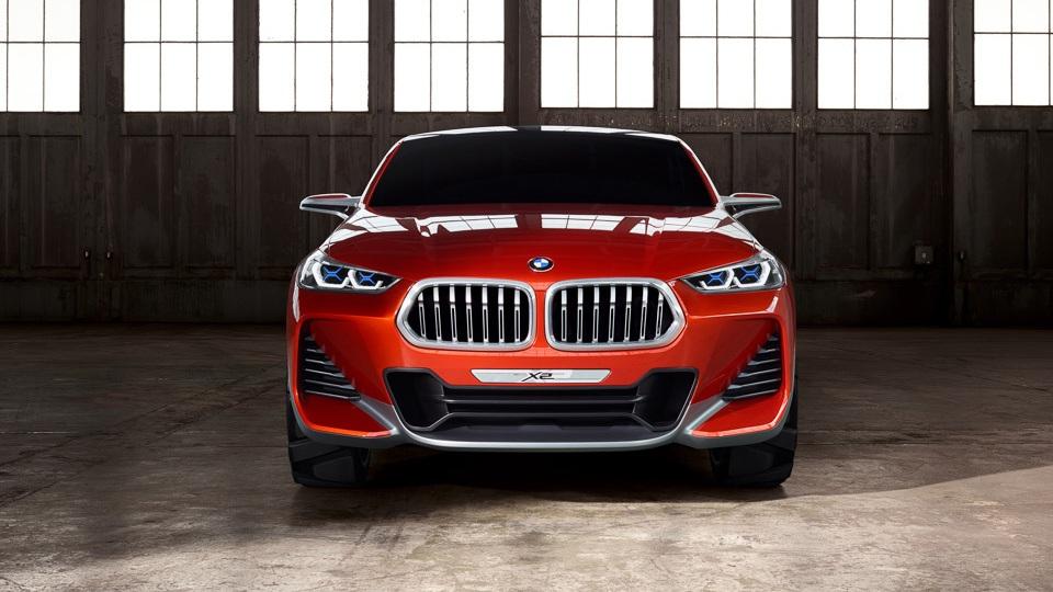 BMW готовит 40 новинок за 2 года и намерена отобрать лидерство у Mercedes-Benz