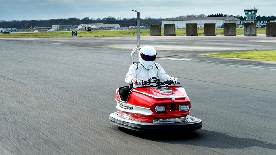 Стиг установил рекорд скорости нааттракционной бамперной машине
