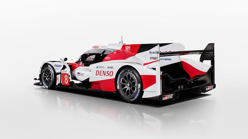 Порше официально показала собственный новый спортпрототип категории LMP1