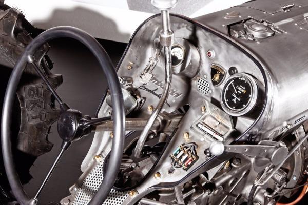 Lamborghini вспоминает юность ипереходит напроизводство тракторов