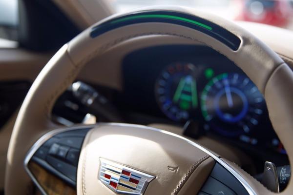 Дженерал моторс разработал систему автопилота Super Cruise