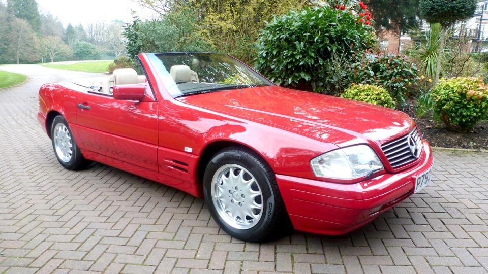 Смолотка пустят «новый» Mercedes 1990-х годов сочень необыкновенной судьбой
