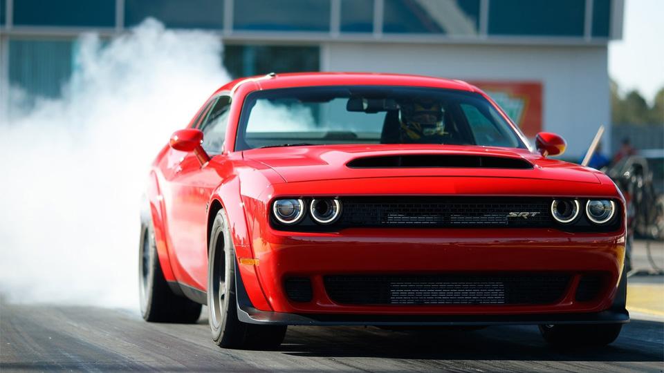 Dodge официально представил самый мощный ибыстрый Challenger. Фото 2