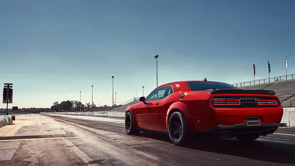 Dodge официально представил самый мощный ибыстрый Challenger. Фото 3