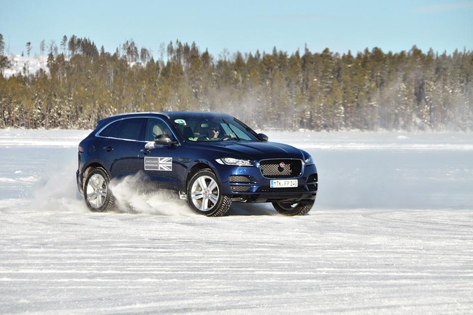Пять причин отправиться взимнюю школу вождения Jaguar Land Rover. Фото 3