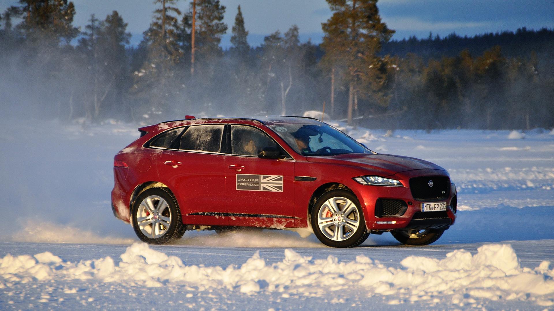 Пять причин отправиться взимнюю школу вождения Jaguar Land Rover. Фото 7