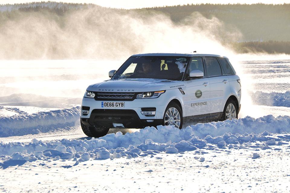 Пять причин отправиться взимнюю школу вождения Jaguar Land Rover. Фото 9