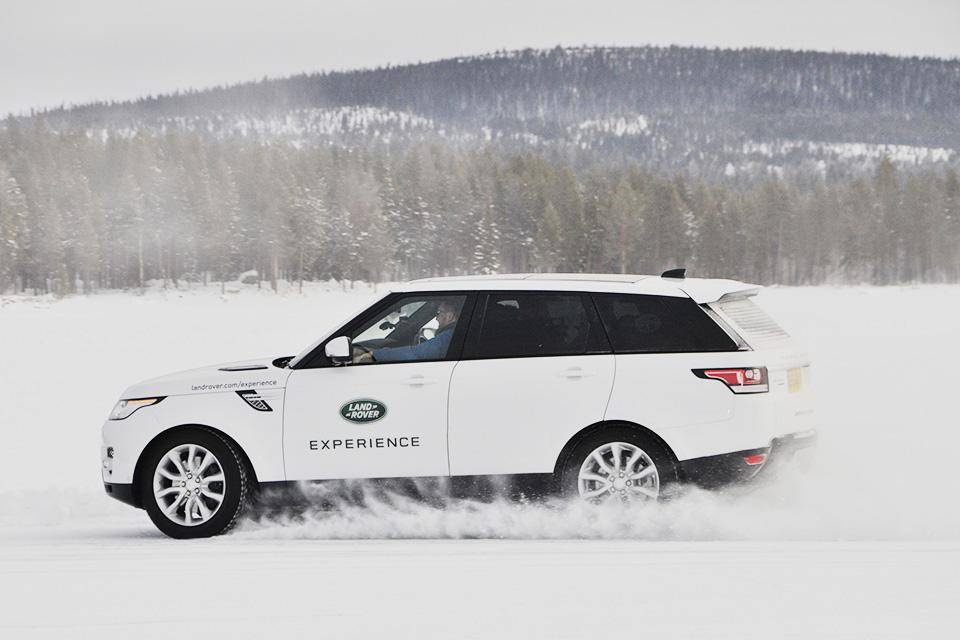 Пять причин отправиться взимнюю школу вождения Jaguar Land Rover. Фото 10