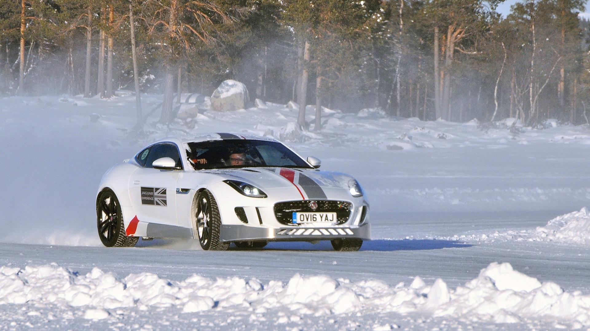 Пять причин отправиться взимнюю школу вождения Jaguar Land Rover. Фото 13