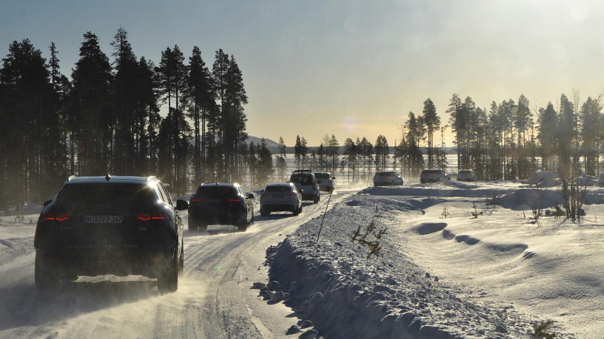 Пять причин отправиться взимнюю школу вождения Jaguar Land Rover. Фото 2