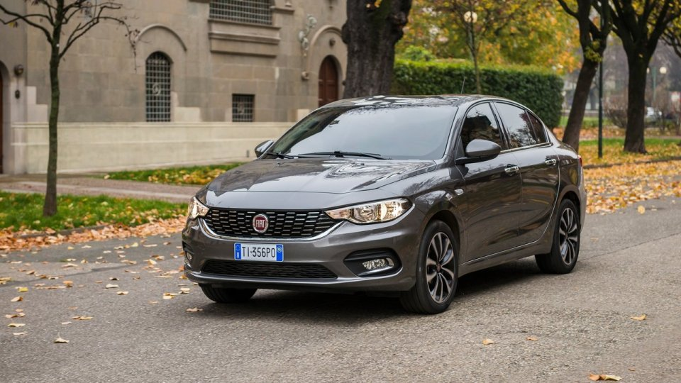 FIAT насильно заставил дилеров купить автомобилей на 90 млн. евро - Fiat