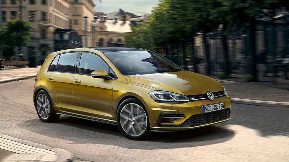 Впервый раз Форд Fiesta обогнала попродажам вевропейских странах VW Golf