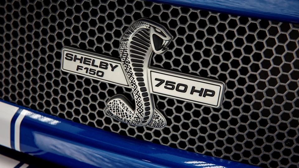 Представлен обновленный F-150 Super Snake спятилитровым V8. Фото 1