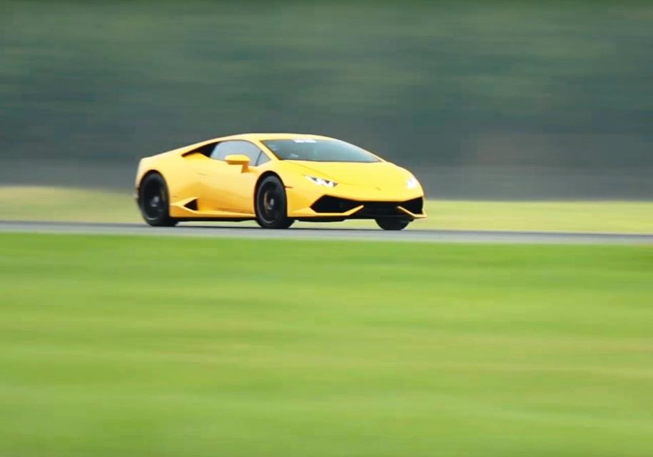 Как Lamborghini Huracan едет 400 км\ч. Видео - Lamborghini