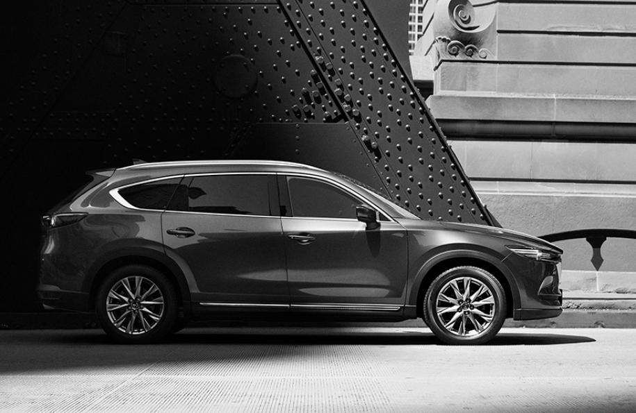 Официальное изображение Mazda CX-8, опубликованное ранее