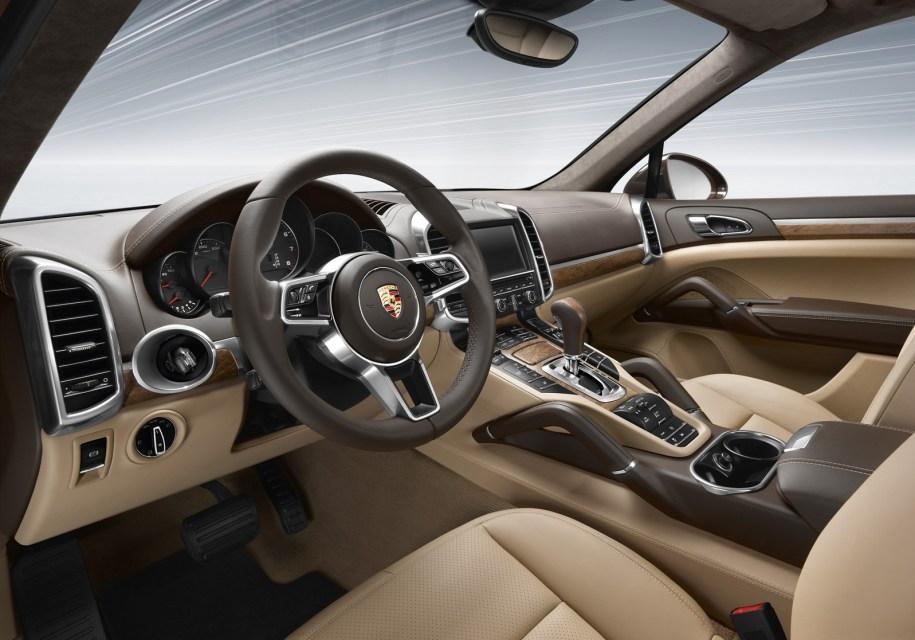 Porsche признала проблему бликов в авто со светлыми салонами и подарит владельцам очки - Porsche