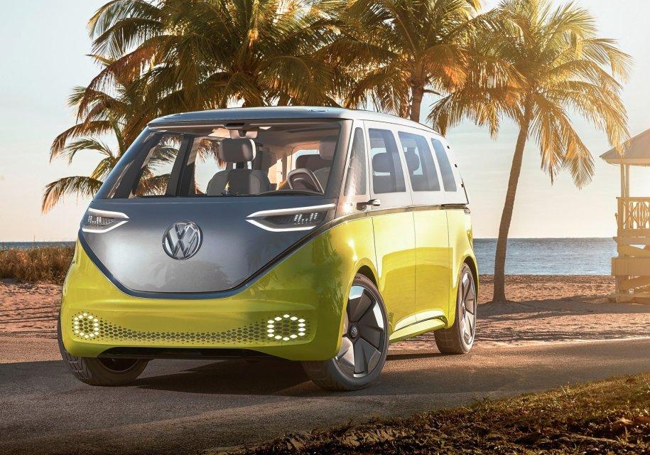 Volkswagen анонсирует электрический микроавтобус по мотивам легендарного Т1