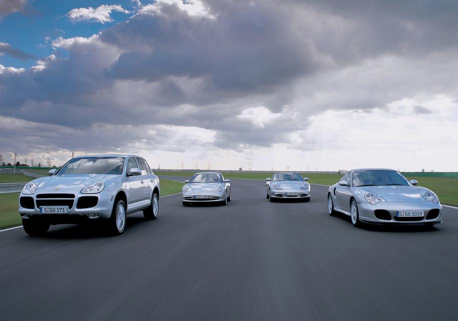 Модельная линейка Porsche в начале двухтысячных. Прибыли от Cayenne вскоре позволили увечить количество моделей вдвое