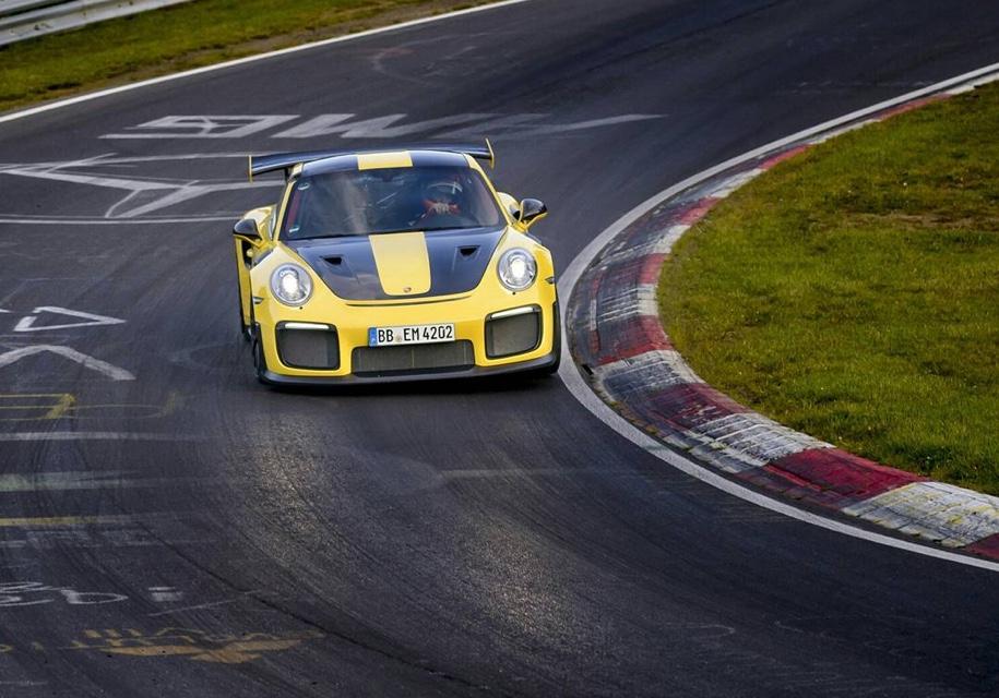 Порше 911 установил новый рекорд Нюрбургринга