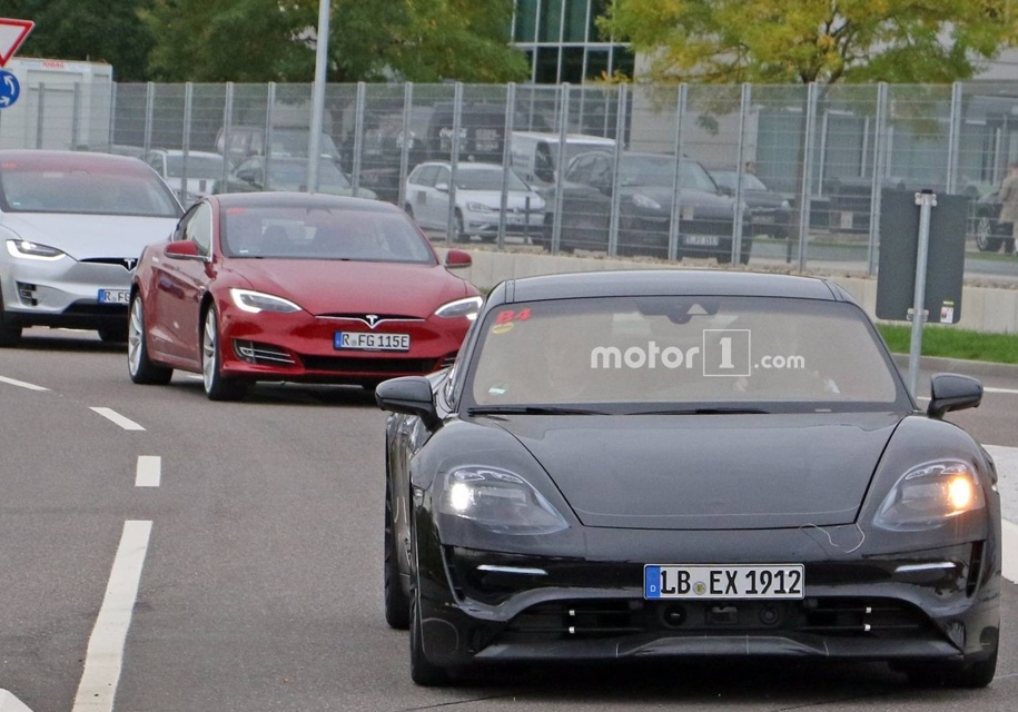 Porsche уже тестирует электрический спорткар Mission E - Porsche