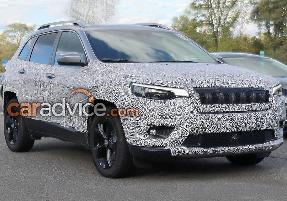 Шпионские фотоснимки показали новые особенности Jeep Cherokee 2019 года