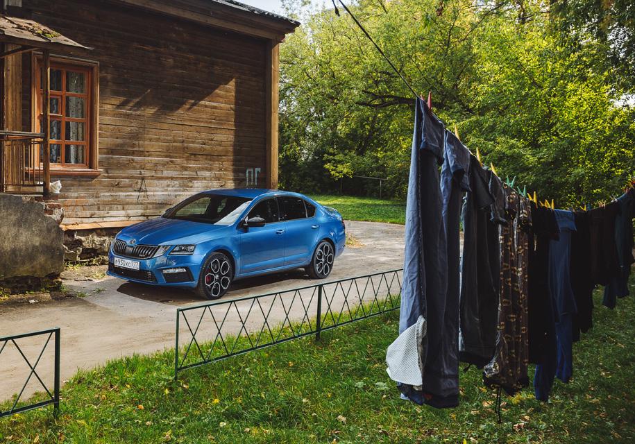 Тест двух «заряженных» машин, скроенных по разным лекалам: Skoda Octavia RS против Kia Optima GT — Тест-драйв