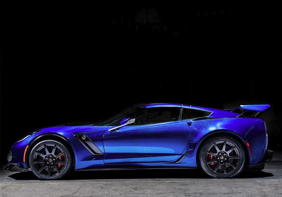 НаCES презентовали электрическую версию суперкара Шевроле C8 Corvette
