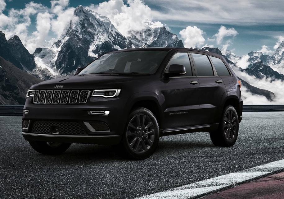 Компания Jeep презентовала чёрный джип Grand Cherokee Sсоспортивной подвеской